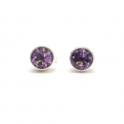 Cut amethyst round silver stud earrings