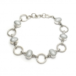 Silver bracelet with freshwater pearls