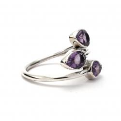 Dainty cut amethyst silver ring