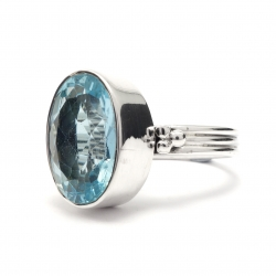 Cut blue topaz silver ring