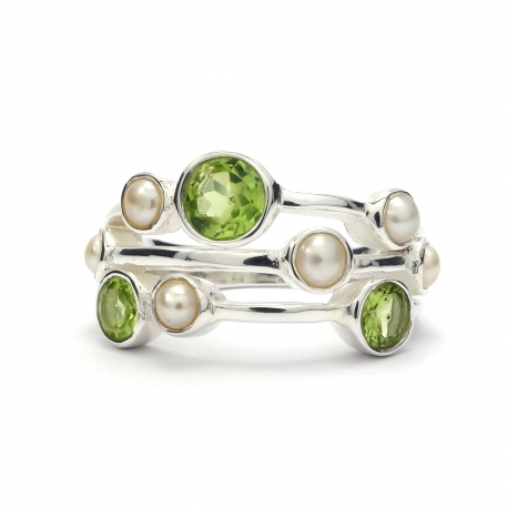 Peridot and pearl silver ring
