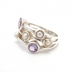 Amethyst and pearl ring