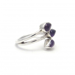 Dainty polished amethyst silver ring