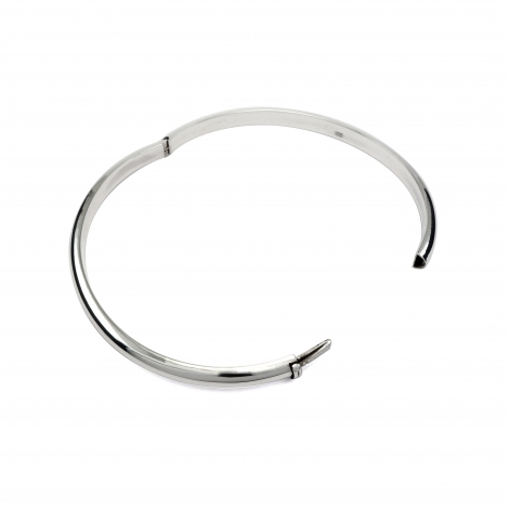 Hinged oval silver bangle