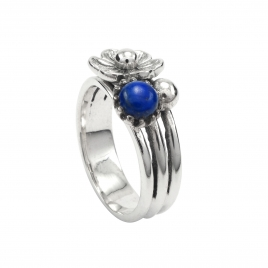 Three band silver flower ring with lapis lazuli