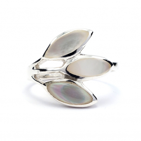 Three leaf mother of pearl silver ring