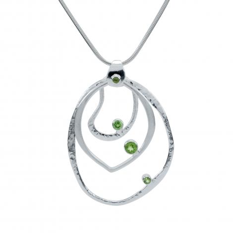 Peridot three rings silver pendant