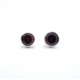 Cut garnet round silver stud earrings