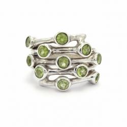 Cut peridot silver ring